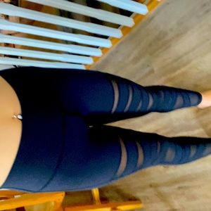 Black Lulu lemon leggings!
